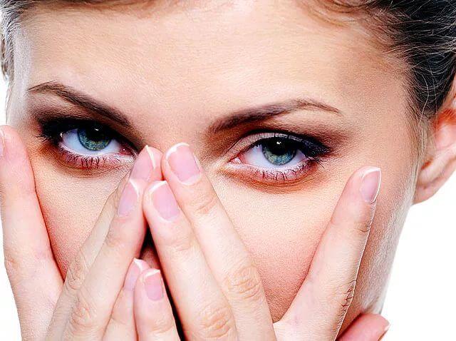 Как снять усталость глаз в домашних условиях
