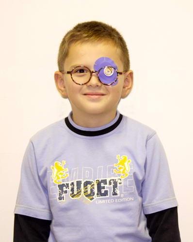 С какого возраста можно носить контактные линзы при астигматизме